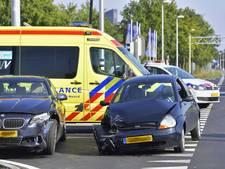 Botsing met auto's in Goirle; vrouw naar ziekenhuis overgebracht