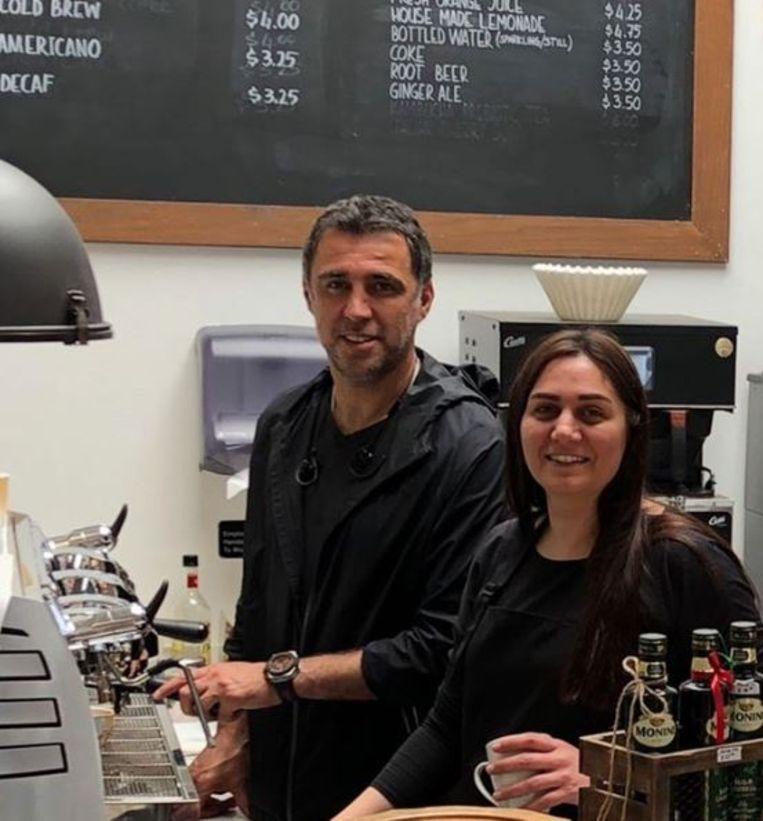 Sükür opende met zijn vrouw initieel een koffiebar in Californië.