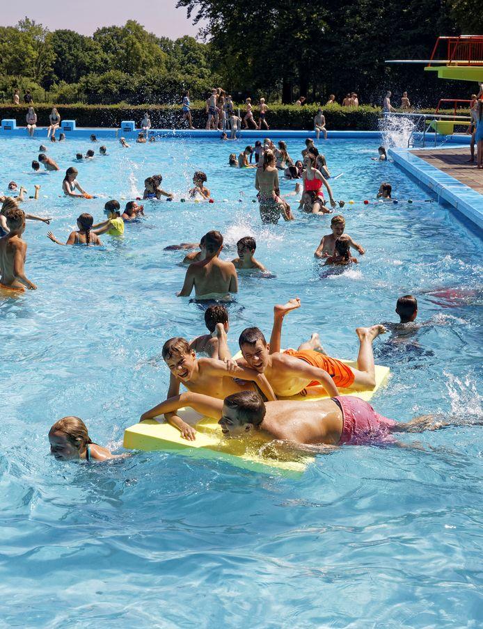 Zwembad Zegenwerp in Sint-Michielsgestel in de zomer van 2019, toen nog niemand van het coronavirus had gehoord.
