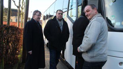 23 Liedekerkenaren nemen bus naar uitvaart