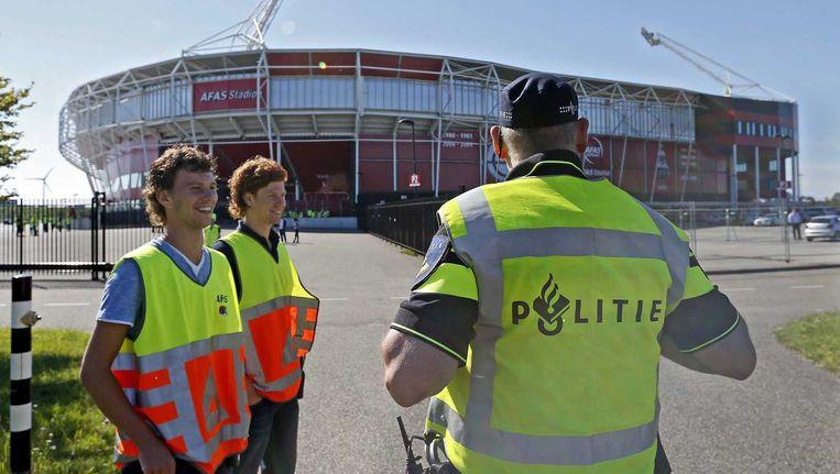 Bij de wedstrijd AZ- Ajax dit weekend was nauwelijks politie aanwezig. Beeld anp