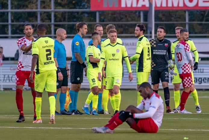 16-11-2019: Voetbal: Kozakken Boys v IJsselmeervogels: Werkendam einde wedstrijd