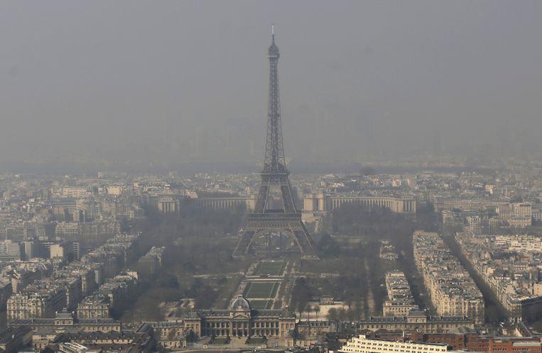 Smog boven Parijs, Archiefbeeld.