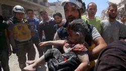 Dodentol van luchtaanvallen in noordwesten van Syrië opgelopen tot minstens 43