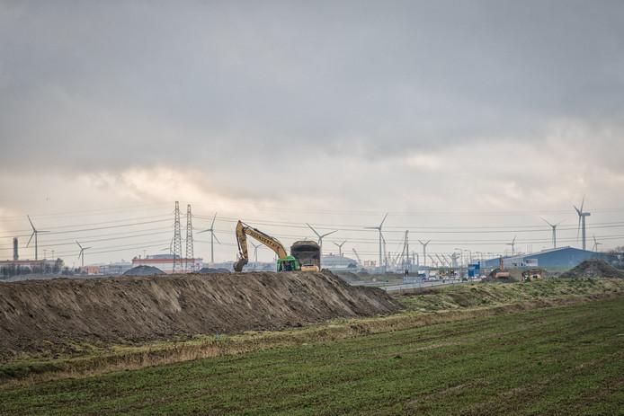De werkzaamheden aan het verkeersknooppunt bij Nieuwdorp is begonnen.