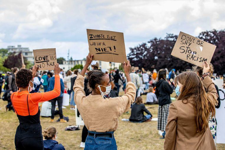 Demonstratie tegen racisme in het Griendpark in Maastricht. Beeld EPA