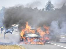 Autobrand hindert verkeer op A28 bij Nunspeet