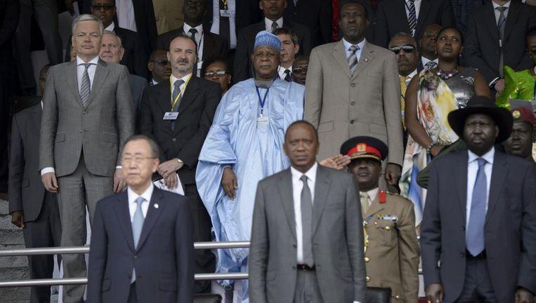 Didier Reynders (links) en VN-Secretaris-Generaal Ban Ki-moon(links onder) tijdens de 20-jarige herdenking van de genocide in Rwanda.