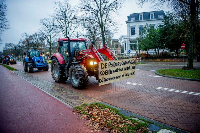 Afgelopen december gingen boze boeren met de tractor naar het provinciehuis in Haarlem. Beeld Hollandse Hoogte, Michel Utrecht