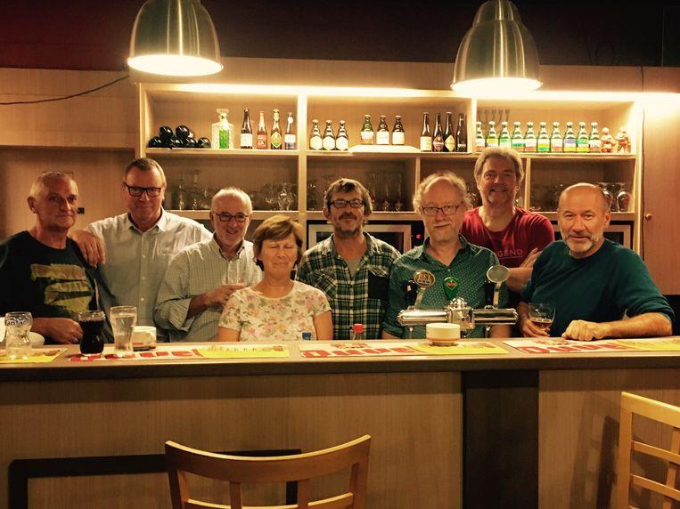 De bezielers van 'De Warmste 24 Uren', een evenement voor het goede doel. Van links naar rechts: Frank Van der Auwera, Jan Verelst, Rudi Dierckx, Christine Van Put, Marc Van Dyck, Marc Vleugels, Dirk De Herdt en Gert Verschueren.