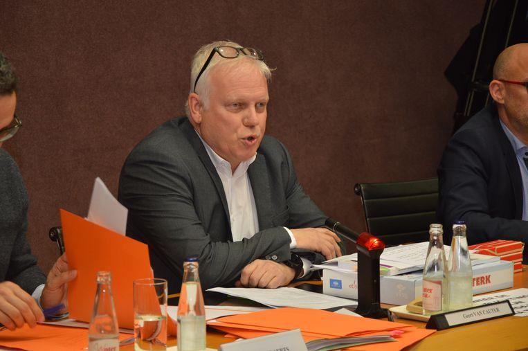 Lieven Vernaillen, de voorzitter van de gemeenteraad.