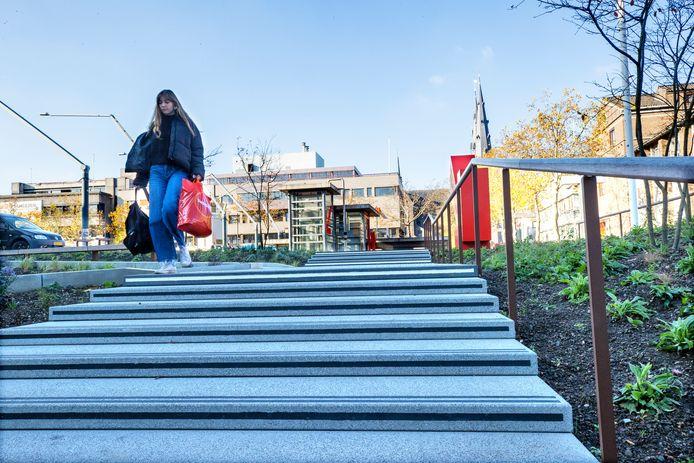 De trap naar het Inwonersplein in het Eindhovense Stadhuis