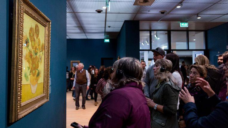 De Zonnebloemen in het Van Gogh Museum in Amsterdam. Beeld anp
