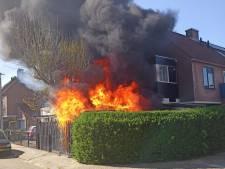 Vuurzee door harde wind: woning Arnhem in mum van tijd zwartgeblakerd