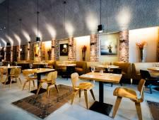Heel rijtje horeca te koop in de Hofbogen: restaurant De Jong, Lokaal Espresso én Opporto