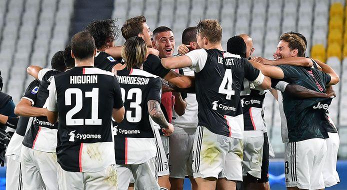 Spelers van Juve vieren wéér een titel.