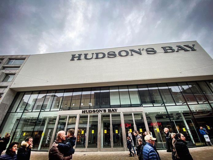 Hudsons Bay in Tilburg zit dicht