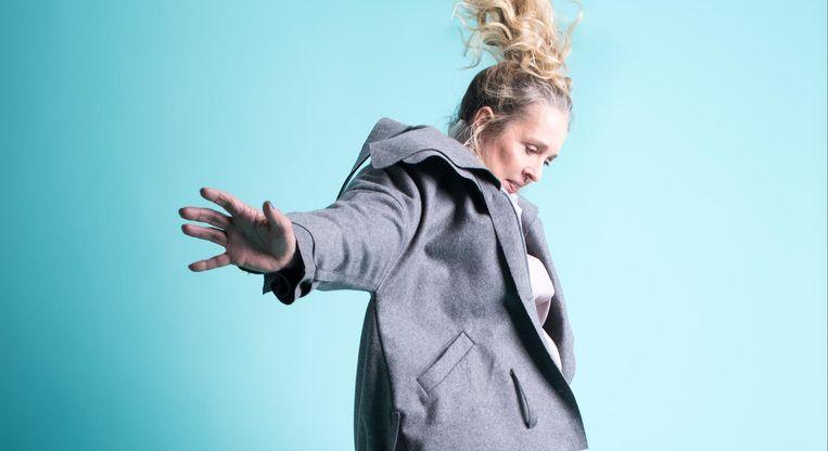 Gabie Raven: 'Een vrouw die met een piepstem zegt 'nou, doe dan maar', help ik niet. Ik ga geen lammeren naar de slachtbank leiden.' Beeld Imke Panhuijzen