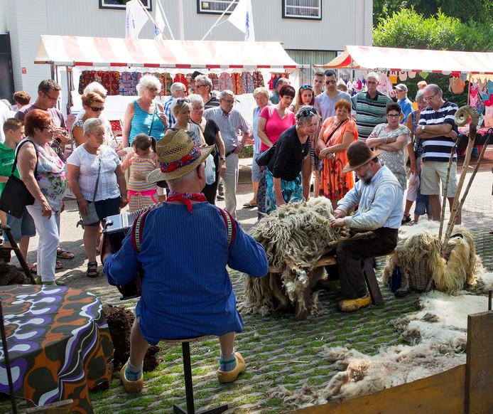 De Boeremèrt is sinds jaar en dag hét evenement in de Helmondse wijk Brouwhuis.