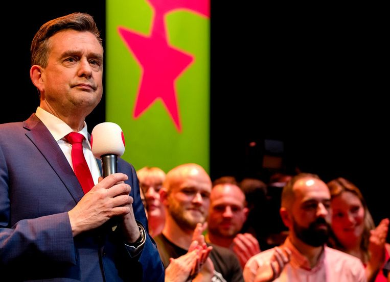 Emile Roemer geeft een speech na de uitslagen van de Tweede Kamerverkiezingen. Beeld anp