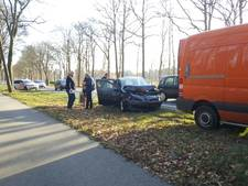 Auto's total loss bij kop-staartbotsing tussen Lonneker en Oldenzaal