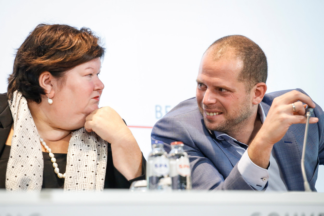 Maggie De Block et son prédécesseur Theo Francken