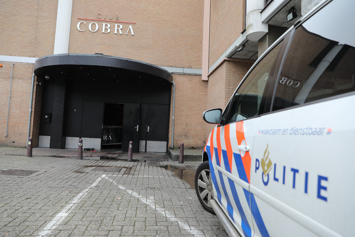 Politie Onderzoekt Verband Beschieting Coffeeshop Tiel En Club In