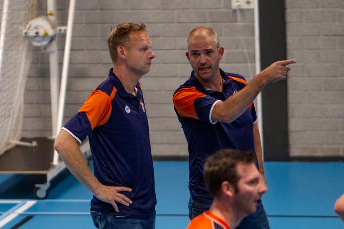 Ron Sparreboom (links) en Jeroen Jansen zijn als trainers van het Deventer Avior bezig aan een sterk seizoen.