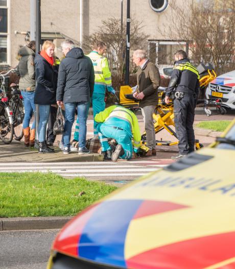 Weer fietser aangereden op rotonde Steinhagenseweg: 'Het is wachten tot de eerste dode valt'