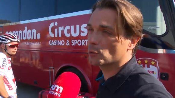 Christophe Roodhooft emotioneel na de nieuwe zege van Van der Poel.