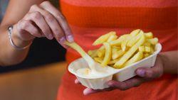 Welke aardappel kies je en welke olie zorgt voor de beste smaak? Twee frituristen delen hun tips voor lekkere frietjes