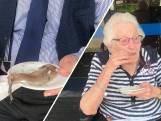 Hengelose ouderen genieten van 2.000 haringen