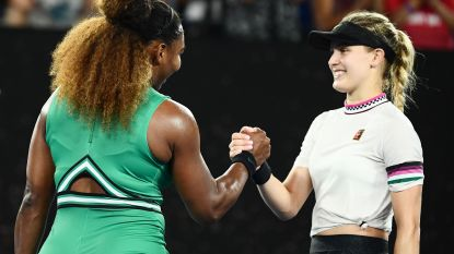 Zverev met veel moeite naar derde ronde - Djokovic laat geen sets liggen - Serena Williams zet recordjacht verder in Melbourne