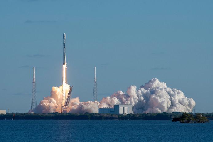 Lancering van de Falcon 9 herbruikbare raket van SpaceX voor de Amerikaanse luchtmacht in december vorig jaar in Cape Canaveral in Florida.