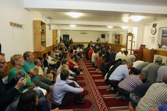 De gebedsruimte van de moskee Arrahaman tijdens de ramadan vorig jaar, toen een opendeurdag georganiseerd werd.