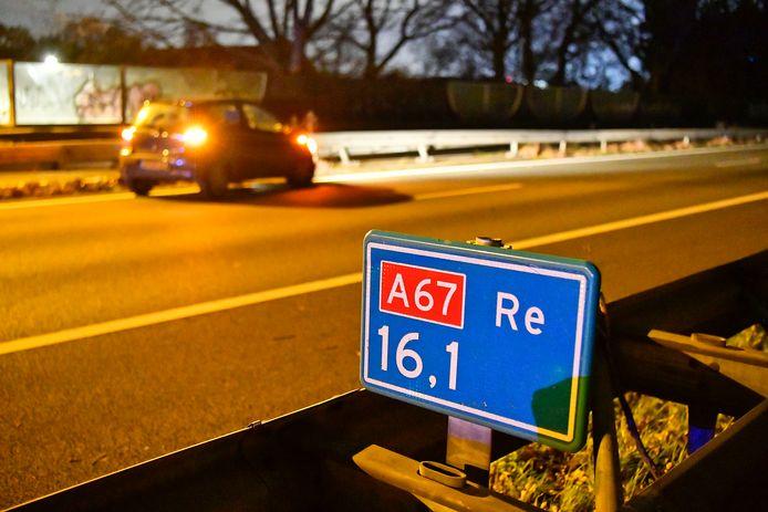 Het ongeluk gebeurde op de A67, ter hoogte van de Heerseweg in Veldhoven.