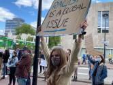 Myrte Hesselberth, die zich 'genaaid' voelt, voert PrO in Oisterwijk aan met Haarense wethouder achter zich