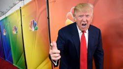 Waarom Trump veel te lange dassen draagt