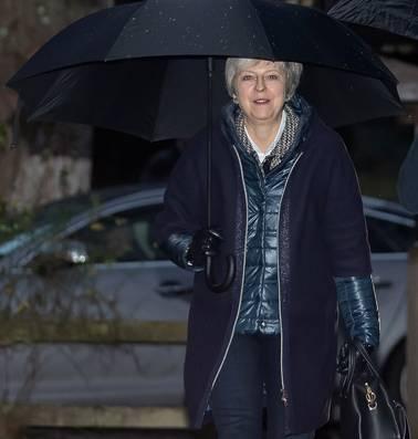 Britten koersen af op chaos