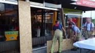 Raam café Sportcentrum in stukken na windstoot