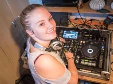 Jonge Kloetingse DJ Nikki heeft een volgeboekte agenda