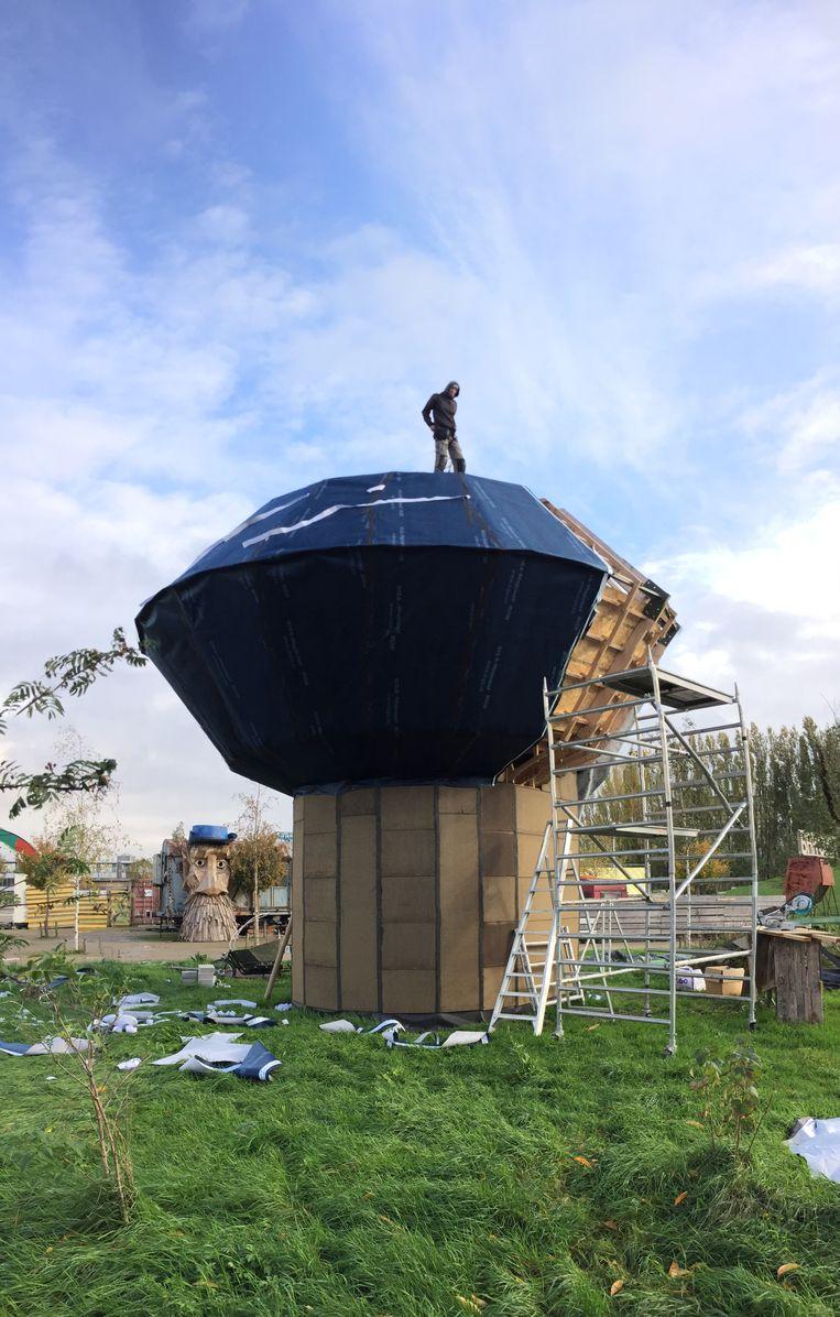 De Droomhut in opbouw in Spoor Noord.
