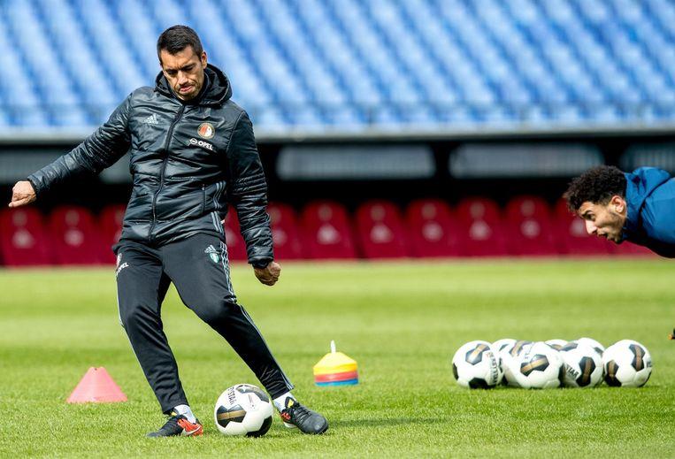 Giovanni van Bronckhorst tijdens de training van Feyenoord, daags na de zege op Vitesse. Beeld anp