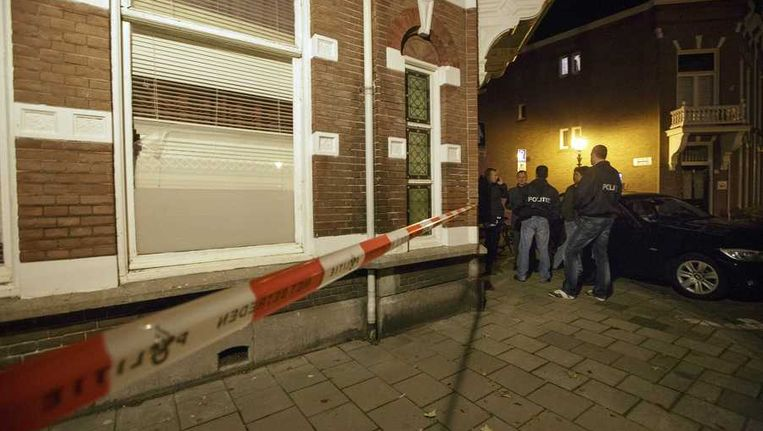 Politie doet onderzoek in het Russisch pand in Den Haag. Beeld anp