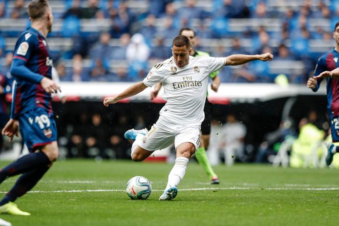 Eden Hazard a enfin foulé la pelouse du Stantiago Bernabeu en match officiel.