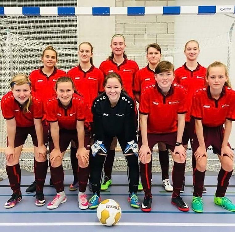 De meisjesploeg van het KA kroonde zich tot Belgisch kampioen Futsal voor scholen en mag nu naar het WK in Israël.