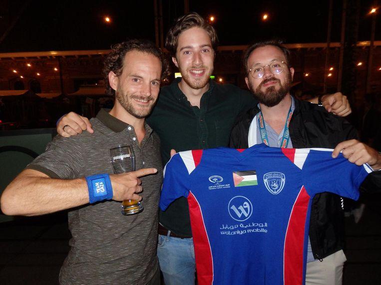 Het onlineteam: Cyril Snijders, Melvin Maas en Erik de Vreede (vlnr). Mansell: 'Erik zag er in zijn studententijd ook al zo uit' Beeld Schuim