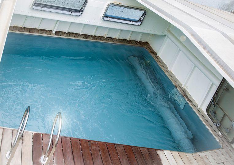 De kamers, het zwembad en aangename lounge verheffen Droomboot in Oudenburg tot een unieke b&b