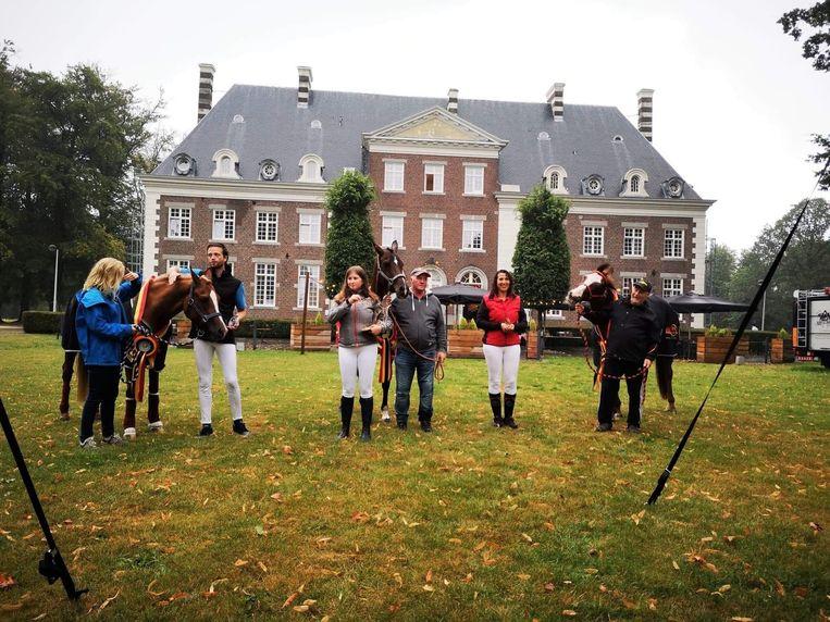 De winnaars van het 1ste Belgisch Kampioenschap Jonge Paarden Endurance