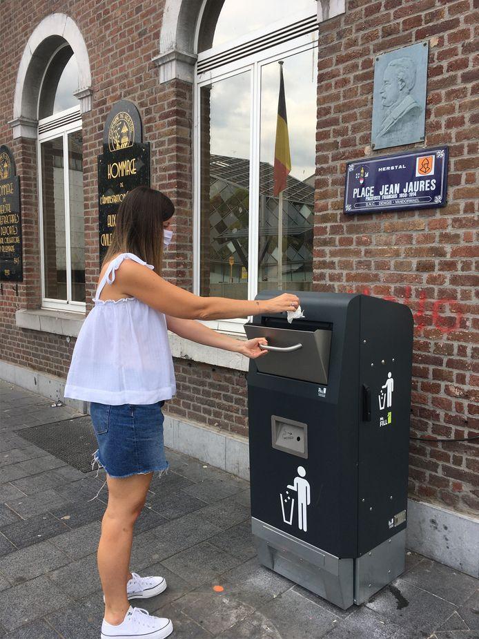 17 poubelles intelligentes sont en cours d'installation sur le territoire de Herstal, et 3 autres suivront avec l'aménagement de la place Gilles Gérard.
